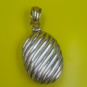Authentic David yurman oval 925/18k locket